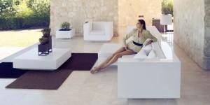 vela-white-sofa-design-ramon-esteve