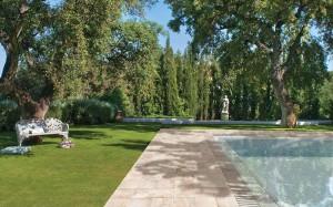rosa-gres-garden-blanco-piscina