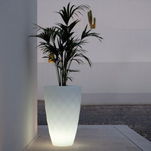 lighting-planter-vases-jmferrero