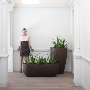 vase-planters-bronze-jmferrero-design-estudihac